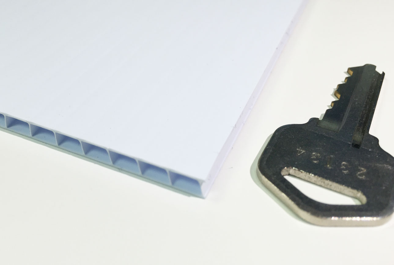 corrugated plastic coroplast image